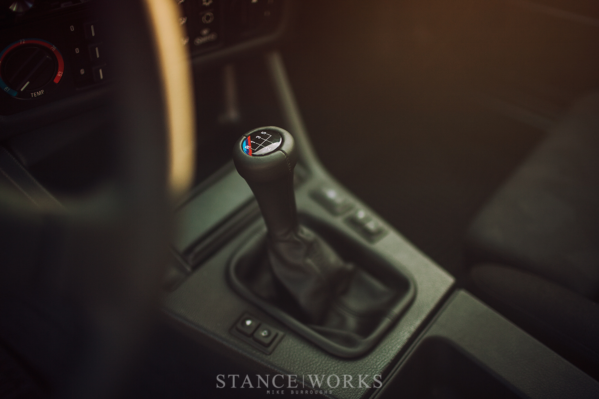 bmw-e30-shift-knob